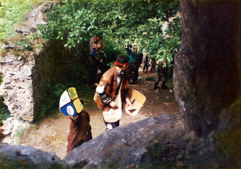 DÍVČÁK 1997 VĚZEŇ PĚTILISTÉ RŮŽE